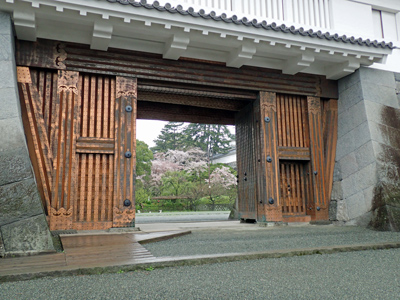 08小田原城銅門.jpg