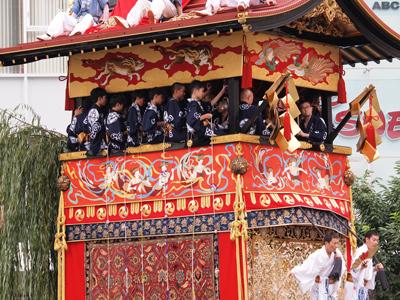 09祇園祭南観音山巡行.jpg