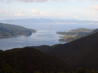 10焼火山展望台から中ノ島.jpg