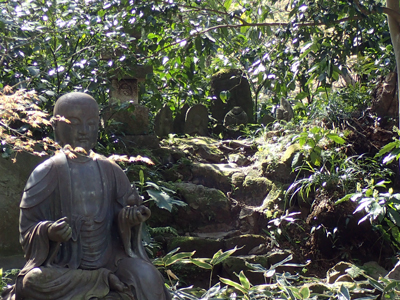 13瑞泉寺地蔵と石仏.jpg